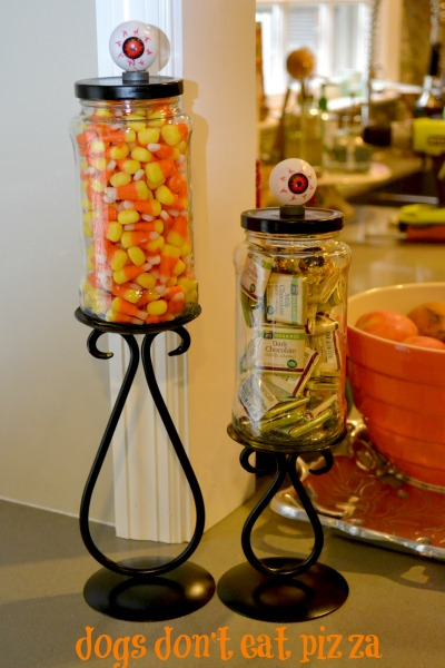 eyeballs-on-candy-jars-Halloween-Dogs-Dont-Eat-Pizza