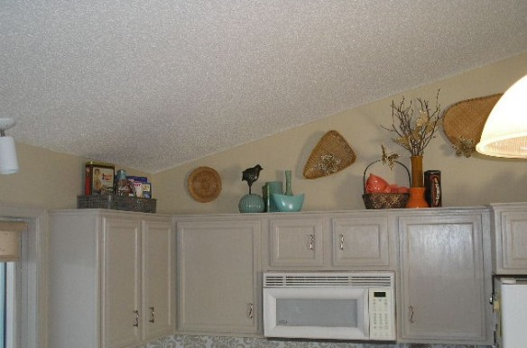 Kitchen Cabinet Uppers Redo