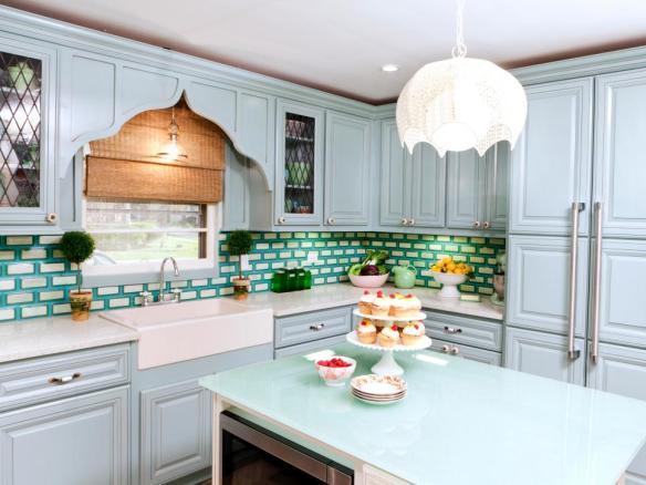 H2DSW206_Blue-Kitchen-2_s4x3.jpg.rend.hgtvcom.966.725
